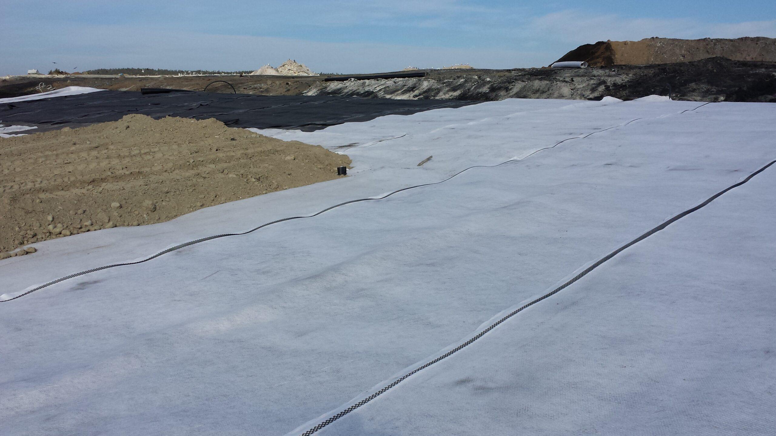 Drainage mats
